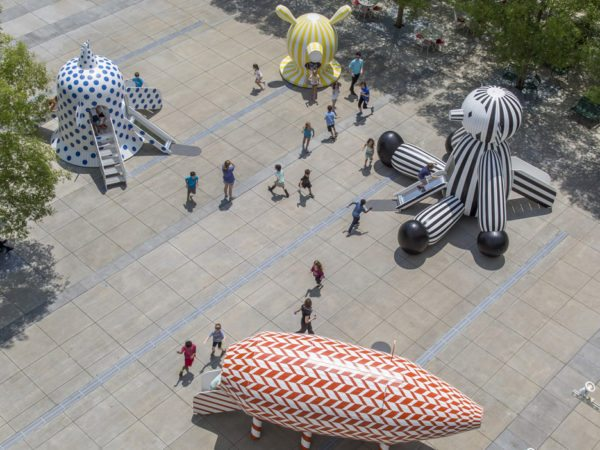 tiovivo-whimsical-sculptures-jaime-hayon-high-museum-of-art-atlanta-caroll-slater-sifly-piazza-wood-animal-everyday-object-sculptures-colourful-patterns-_dezeen_936_2
